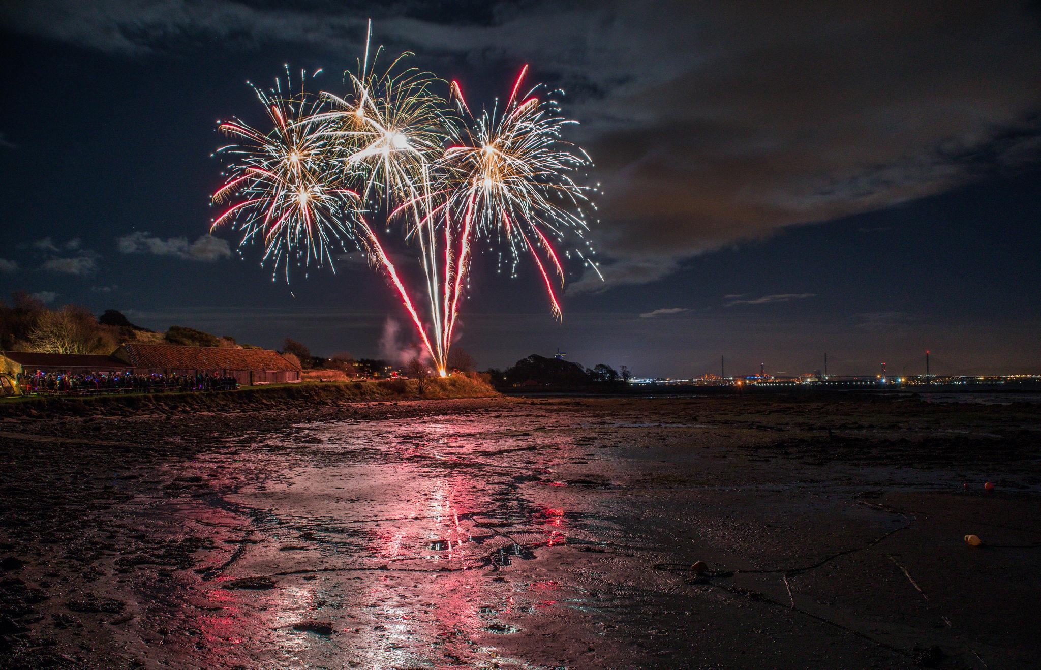 Limekilns Fireworks i-8369
